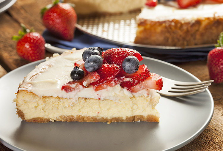 cheesecake with strawberry and blueberry